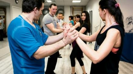 Бачата для новичков – одно из предложений школы танцев «Лос-Анджелес» в СПБ