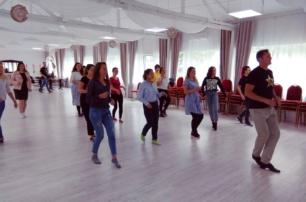 Танцы вашего настроения в «Лос-Анджелесе»